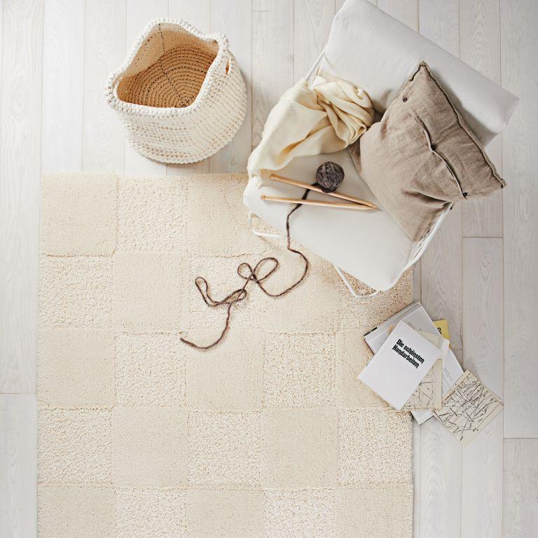 restposten hochflor teppich luxus cosy wei kariert 80x150. Black Bedroom Furniture Sets. Home Design Ideas